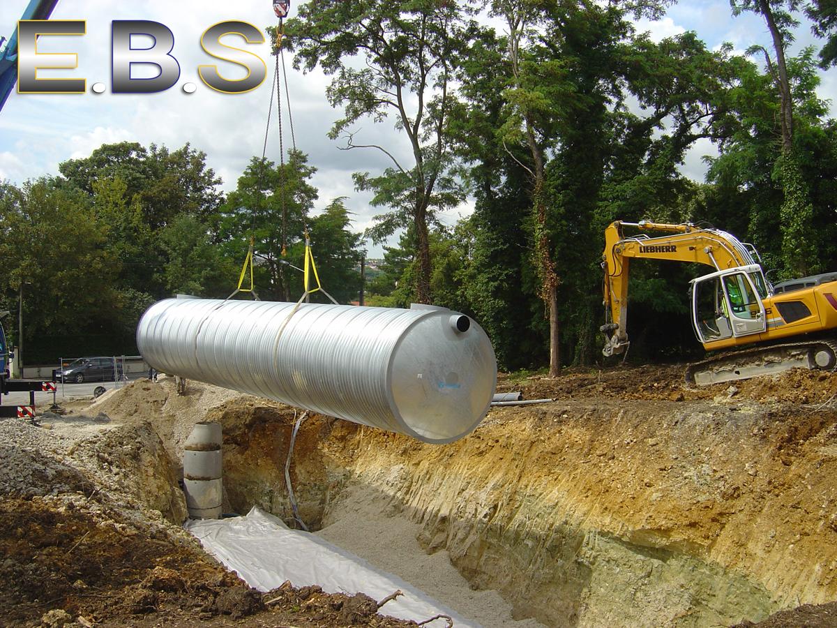 travaux d'installation d'un tubosider récuparateur d'eaux de pluie