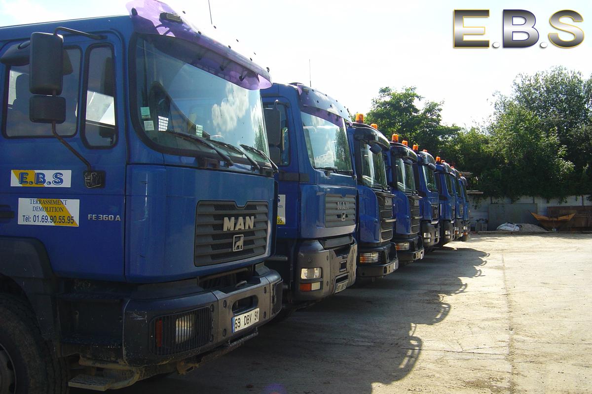 Camion de chantier à la location dans le département 91